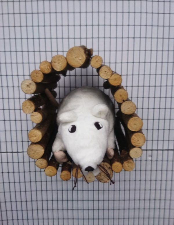 Bolted tunnel hidey